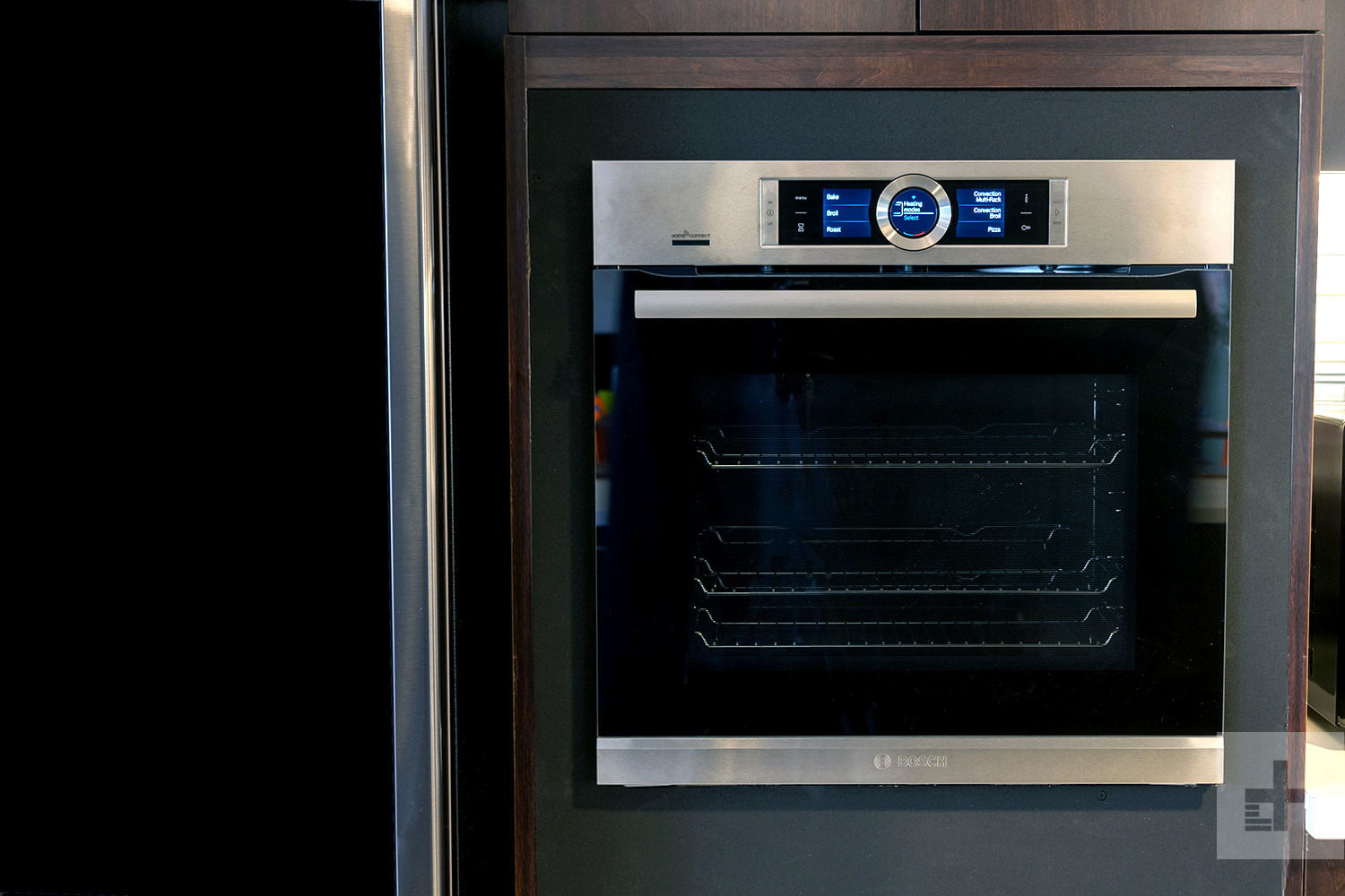 Bosch built an oven with Porsche's good looks, and the brains of a Geo
