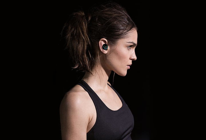 Bragi's smart headphones, the Dash, go beyond sound to monitor your whole body