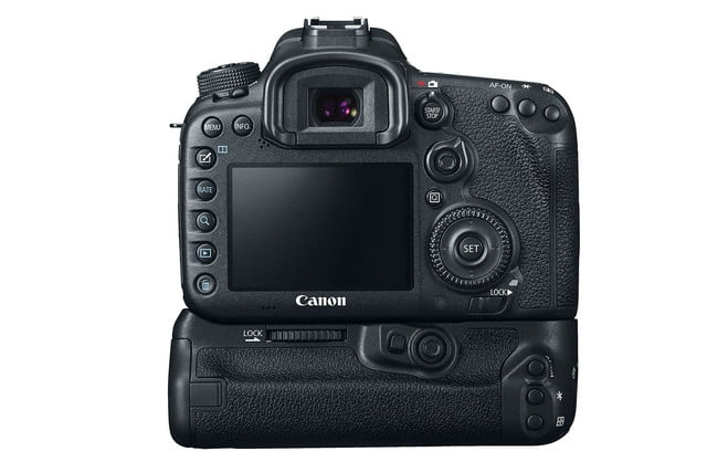 hands on review canon eos 7d mark ii battery press image