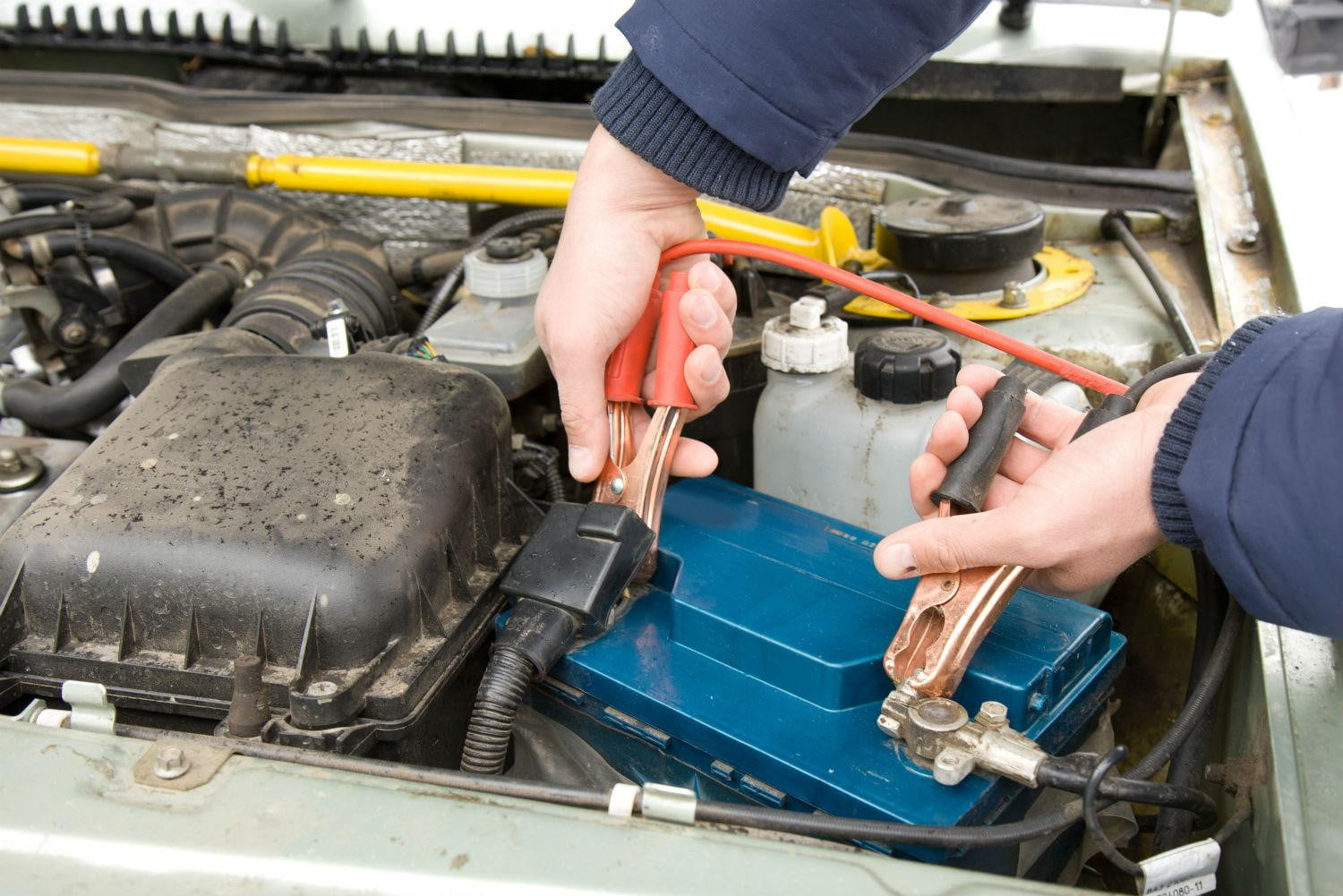 How To Jump A Car Battery The Correct Way Digital Trends Dual Engine New Schematic Note Positive Leads