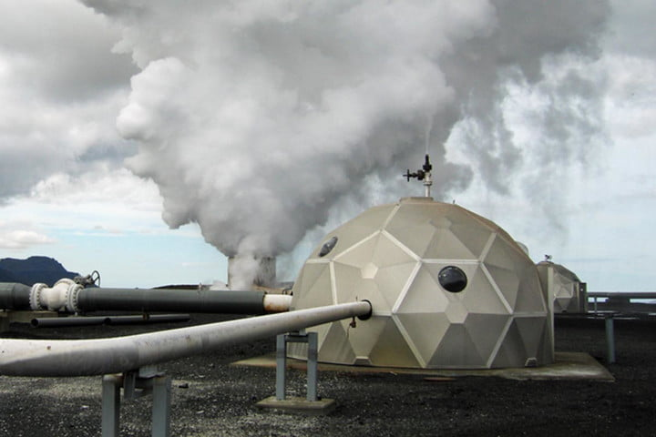 Iceland is fighting climate change by capturing CO2 and turning it into stone
