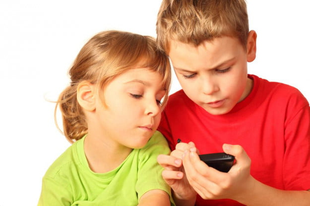 How Old Should Children Have to Be to Get a Smartphone?