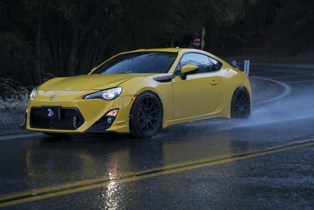 Wet Driving Tips | How to Stop Hydroplaning in the Rain | Digital Trends