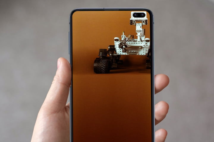 Creative Wallpapers That Use The S10 Hole Punch Camera
