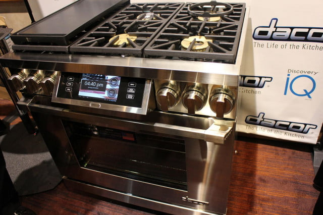 dacors voice activated oven debuts at ces 2015 dacor discovery iq dual fuel range 0195
