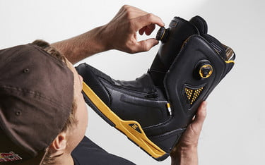 92a98faa Stay Comfortable All Ride Long in a Pair of the Best Snowboard Boots ...