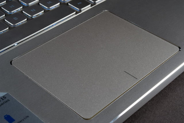 Dell Inspiron 15 7000 review touchpad