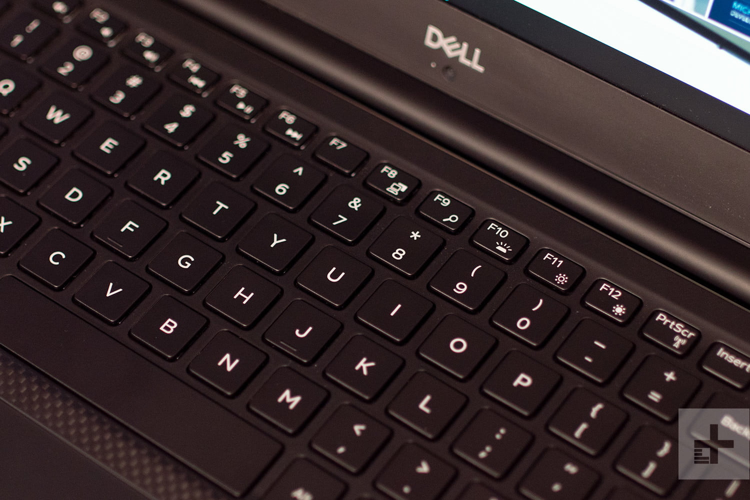 Dell XPS 15 9570 keyboard close