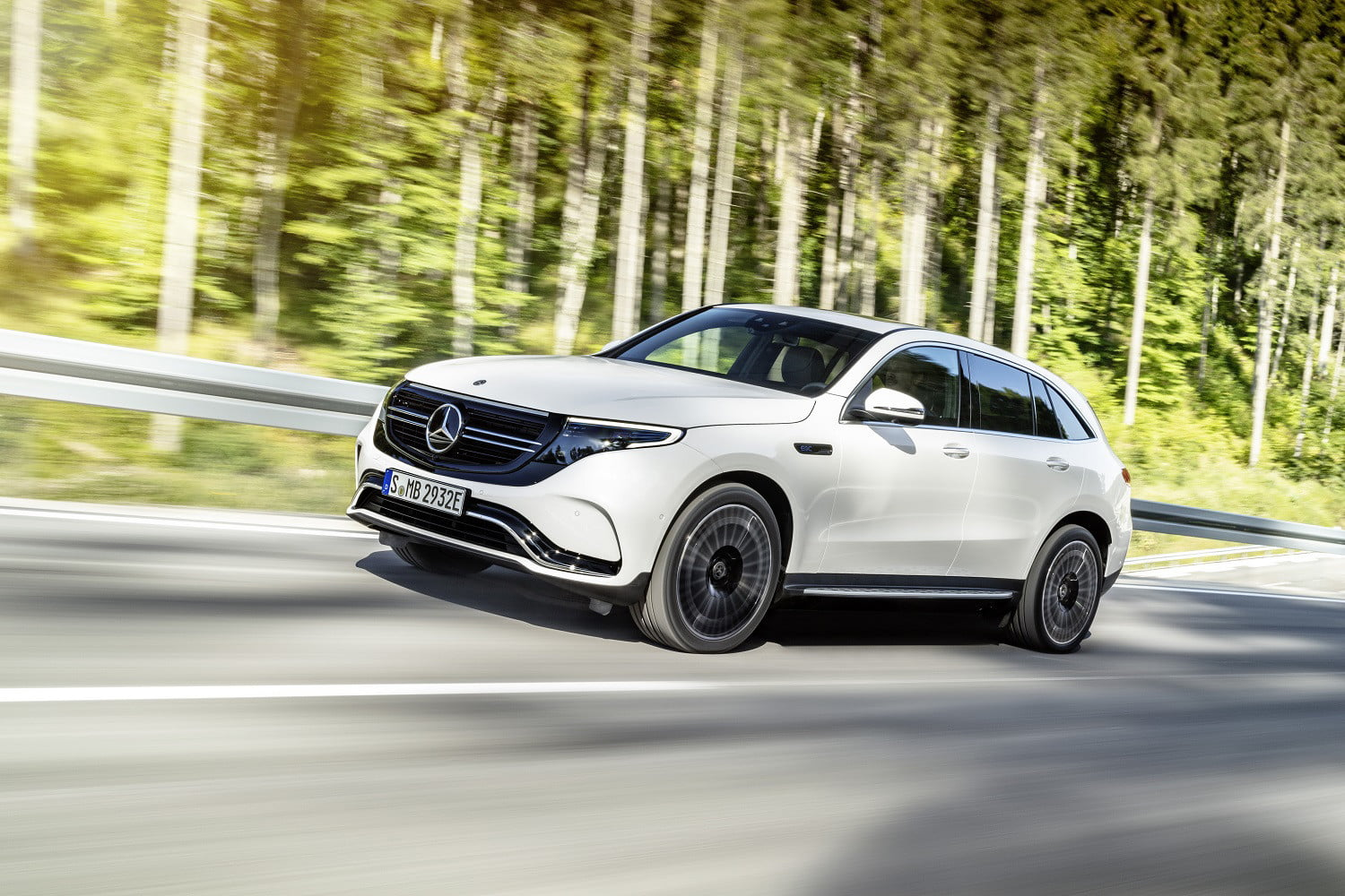 Kết quả hình ảnh cho The 2020 Mercedes-Benz EQC is expected to make its US debut at CES