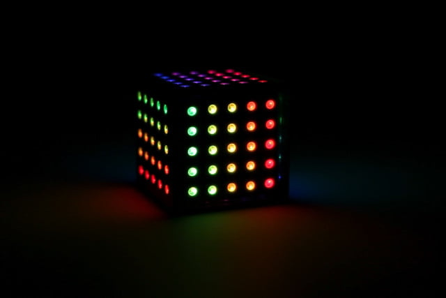 snake playing cube led qcoo digitaltrend