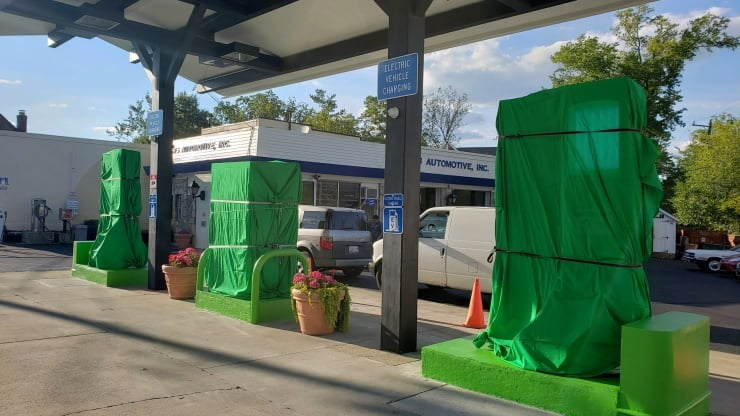 Maryland gas station becomes first in U.S. to ditch oil for 100% EV charging