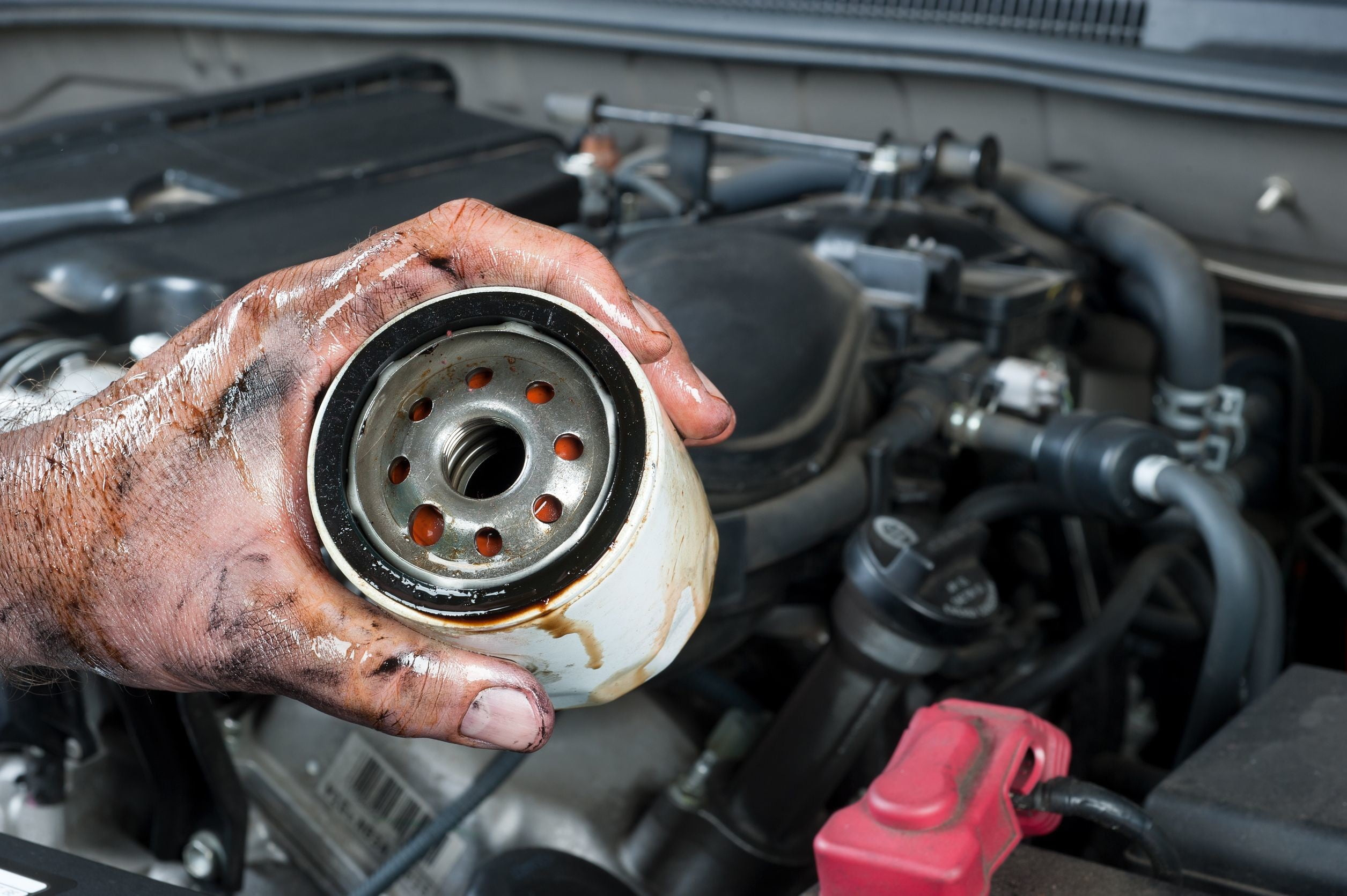 Oil Filter Change >> How To Change The Oil In Your Car Digital Trends