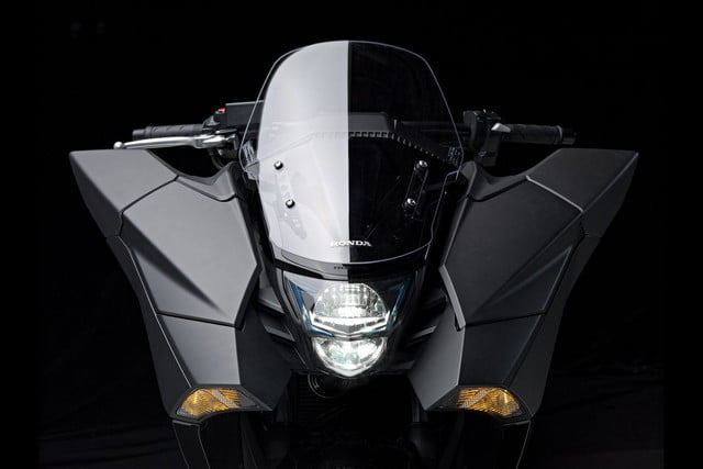 2014 Honda NM4 Vultus front