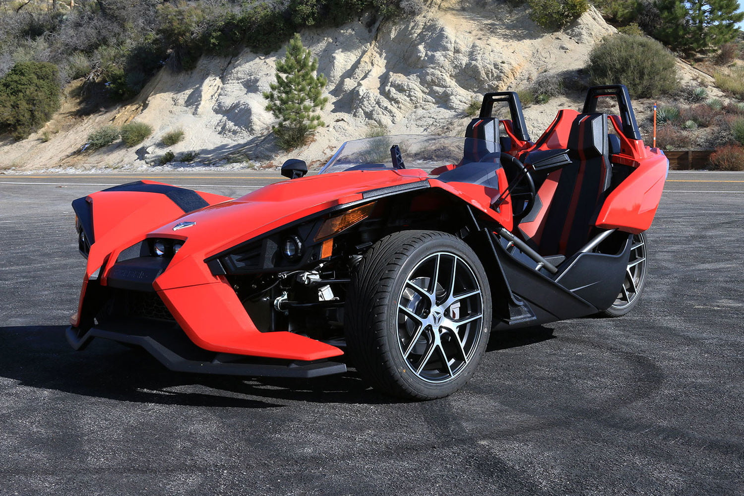 2016 Polaris Slingshot >> 2016 Polaris Slingshot Sl Review Digital Trends