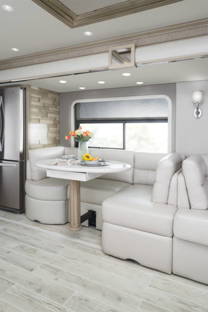 2017 newmar king aire dinette