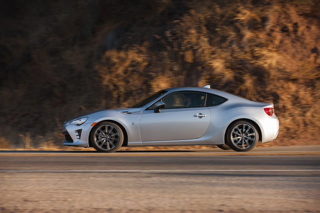 toyota and subaru reboot 86 sports coupe for second generation 2018  46