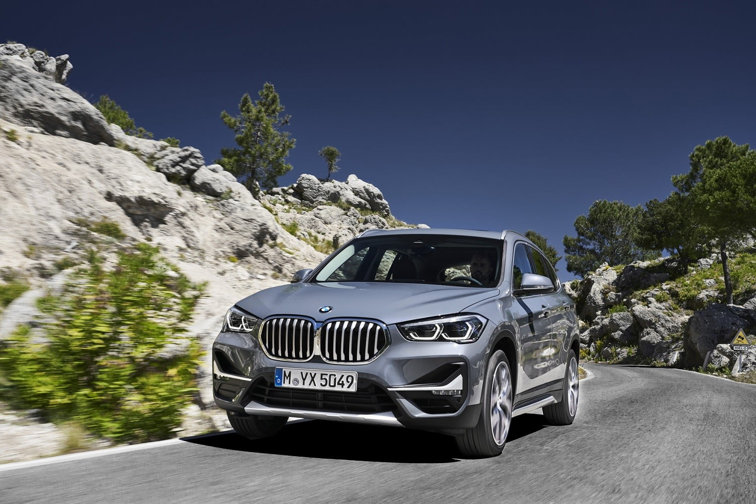 2021 BMW X1 Price, Interior, Redesign, And Specs >> 2020 Bmw X1 Gets New Look Front End Interior Upgrades
