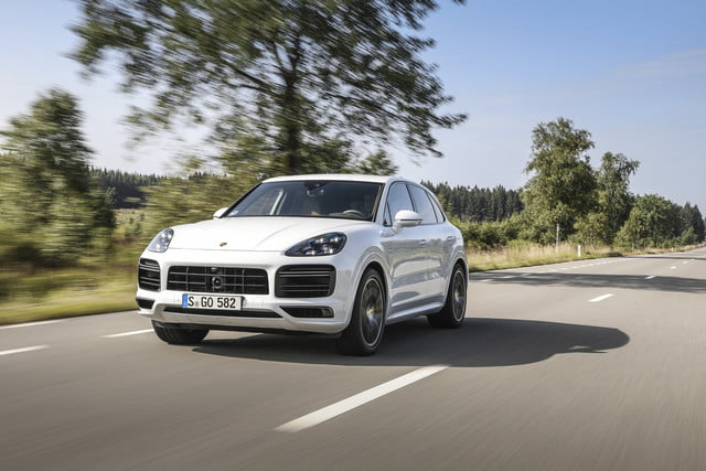 2020 porsche cayenne turbo s e hybrid delivers 670 hp electrified punch tseh 1