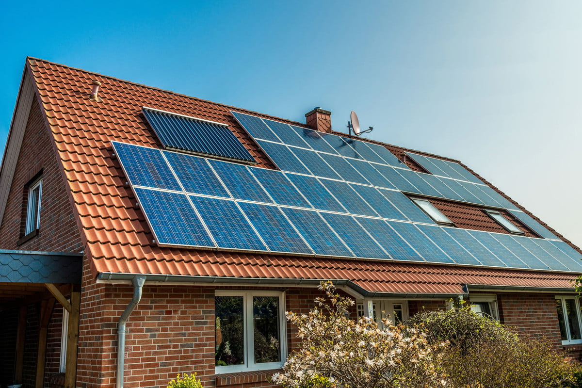 LG Enhances Residential Solar Panels with Two New Neon