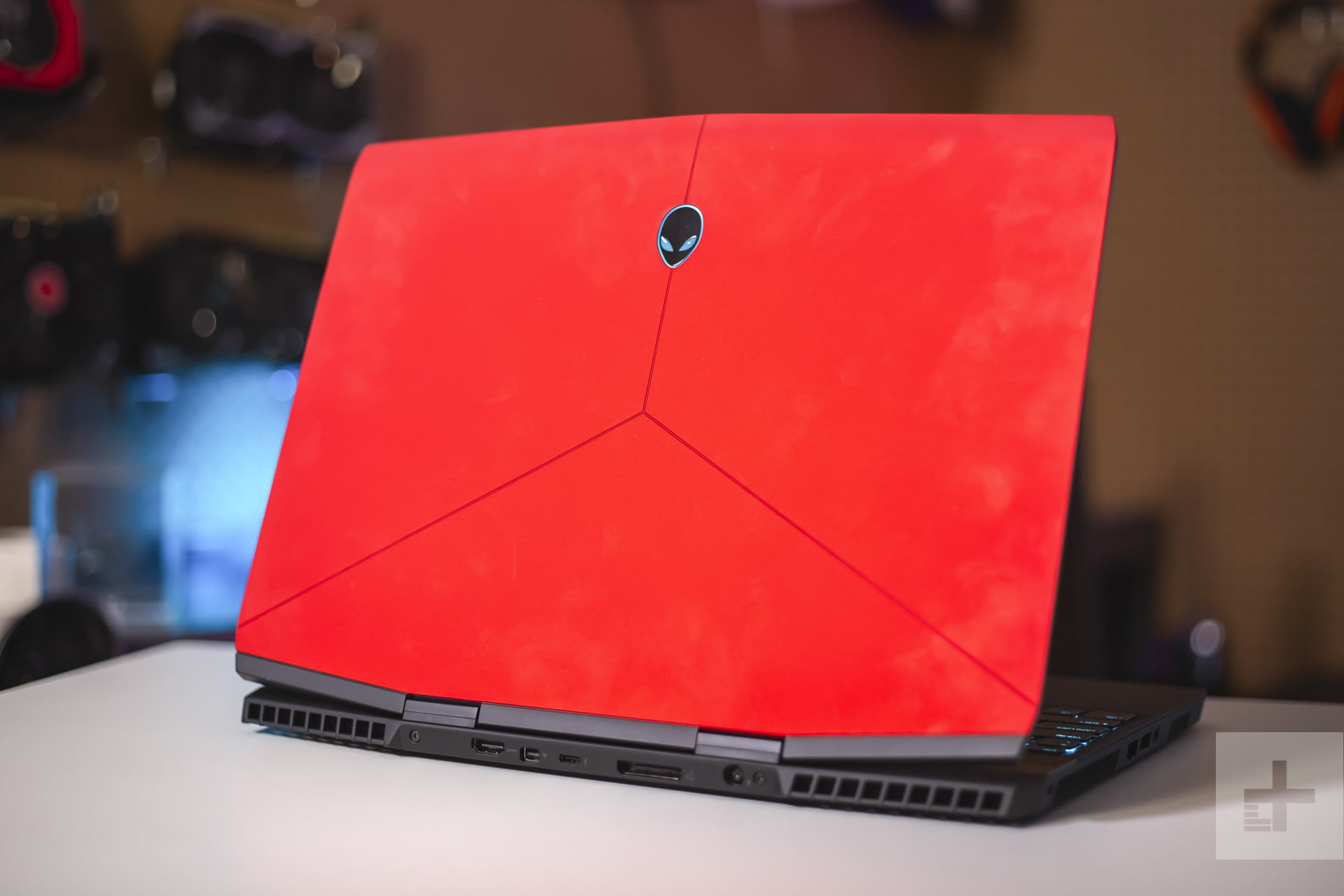 Alienware Vs Razer >> Alienware M15 Vs Razer Blade Digital Trends