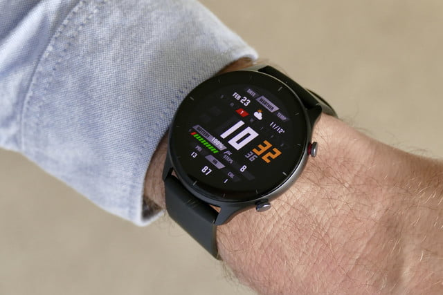 amazfit gtr 2e smartwatch review dashboard face