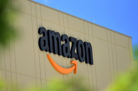 amazon warehouse building fullfilment center 440x292 c - U.S. senators call on Amazon to do more to protect the health of its workers -  ایگر
