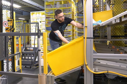 Amazon is taking up 100,000 fresh workers as hiring spree continues thumbnail