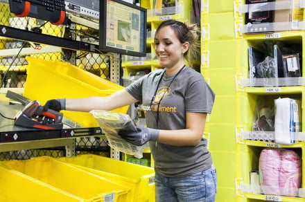 amazon warehouse worker 440x292 c - Amazon raises overtime pay for warehouse workers, but no guaranteed sick pay -  ایگر