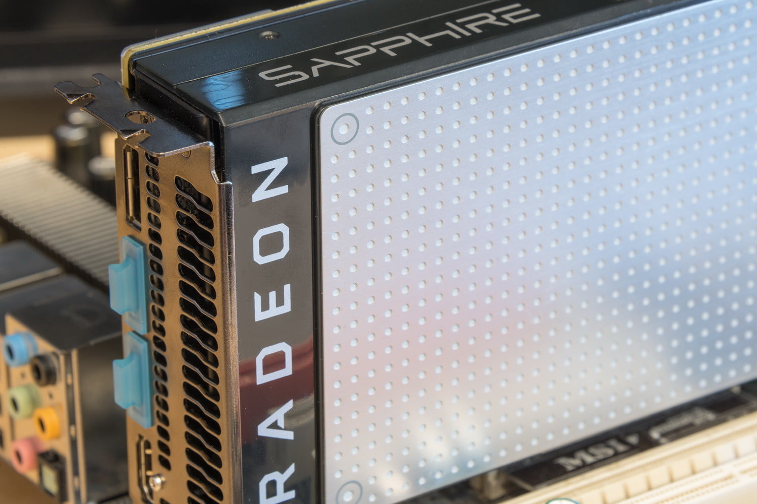 AMD's latest Radeon driver doesn't support 32-bit version of