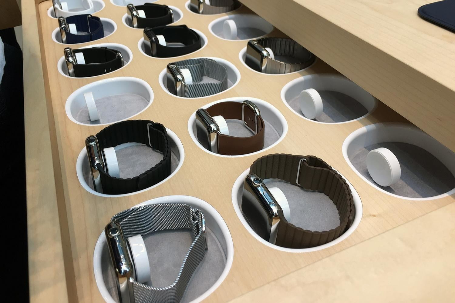 6 percent of Americans want to buy an Apple Watch — That's almost 15M watches