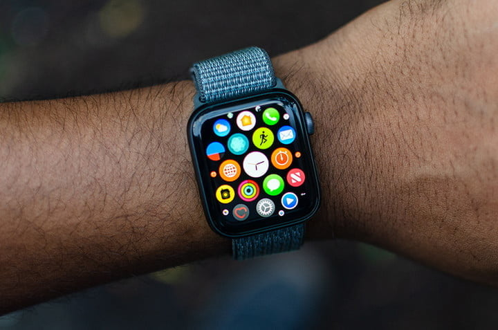 The Apple Watch Series 4 and 5 are discounted on Best Buy for up to $100 off