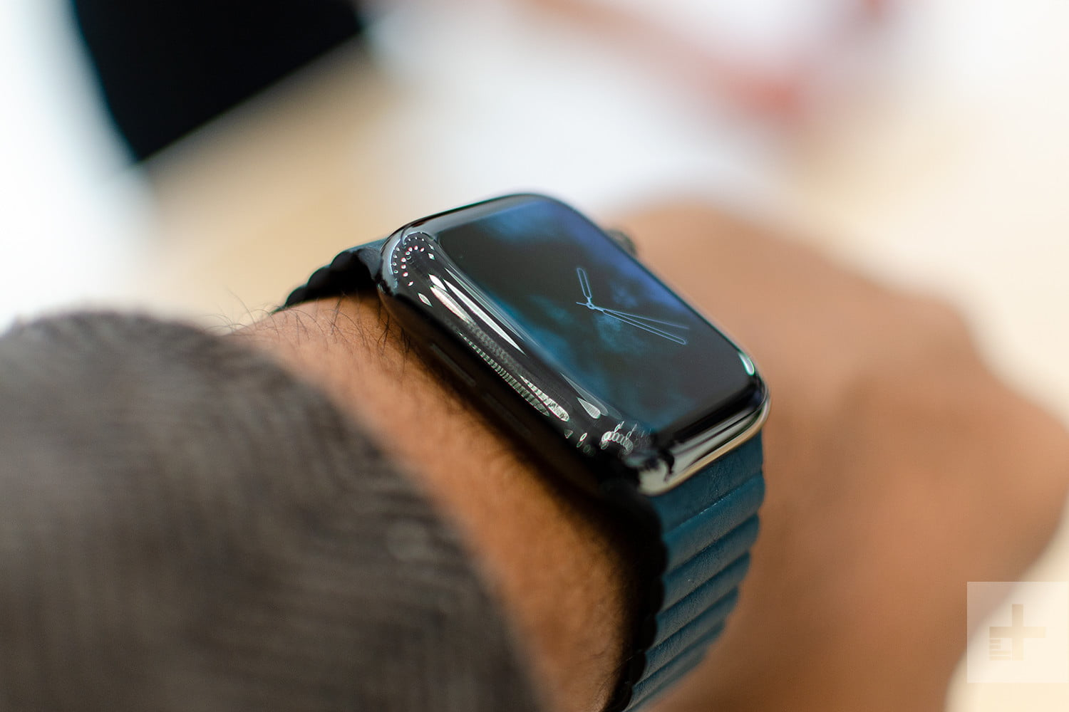 The Apple Watch Series 4 Is Still At Its Lowest Price For Father S Day Digital Trends