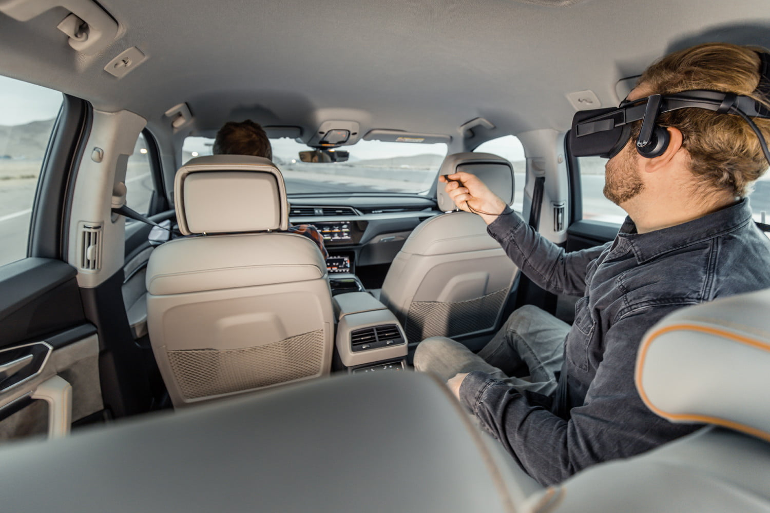 Audi's VR-based in-car entertainment turns your car into a spaceship