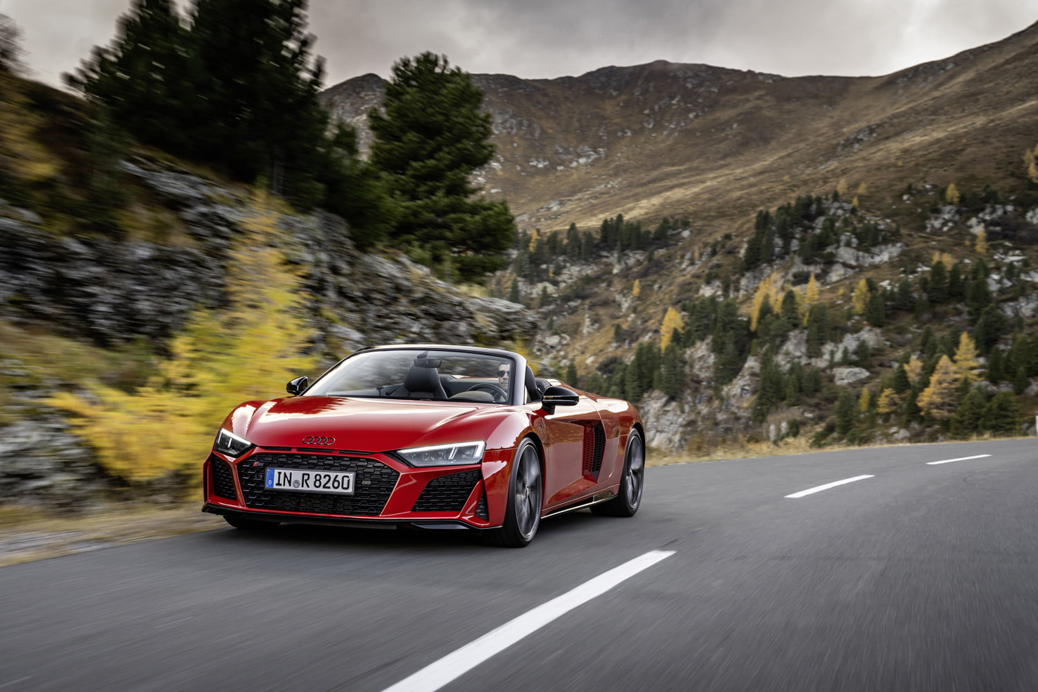 Audi's tail-wagging rear-wheel-drive R8 will play an encore in 2020