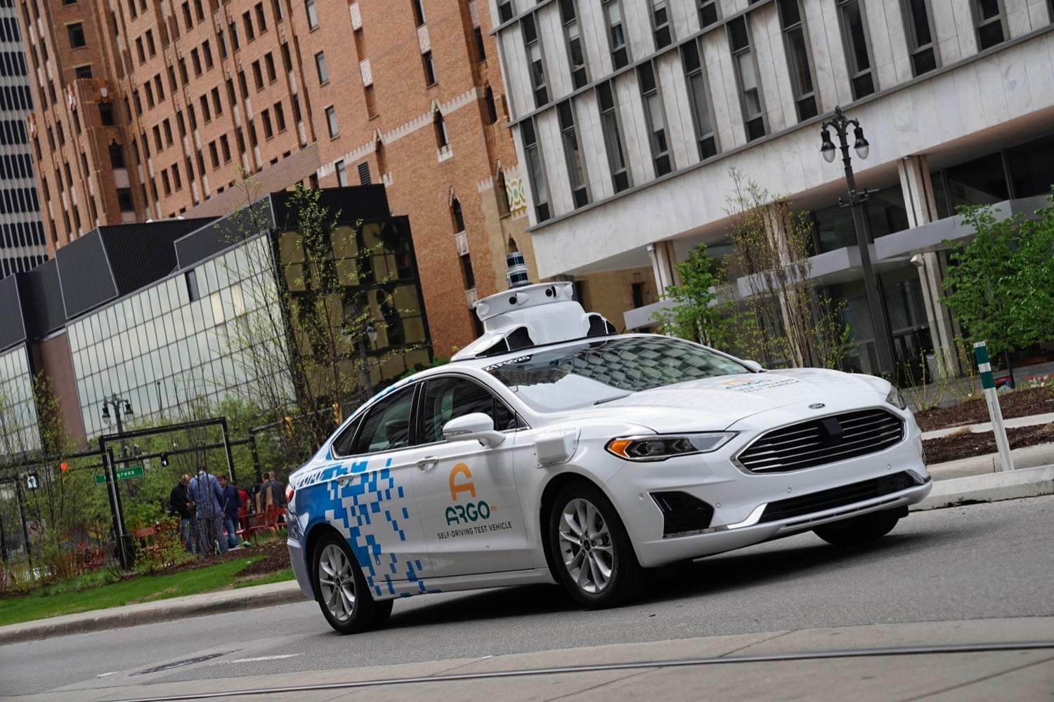 Ford Buys Quantum Signal to Aid Self-driving Car Development