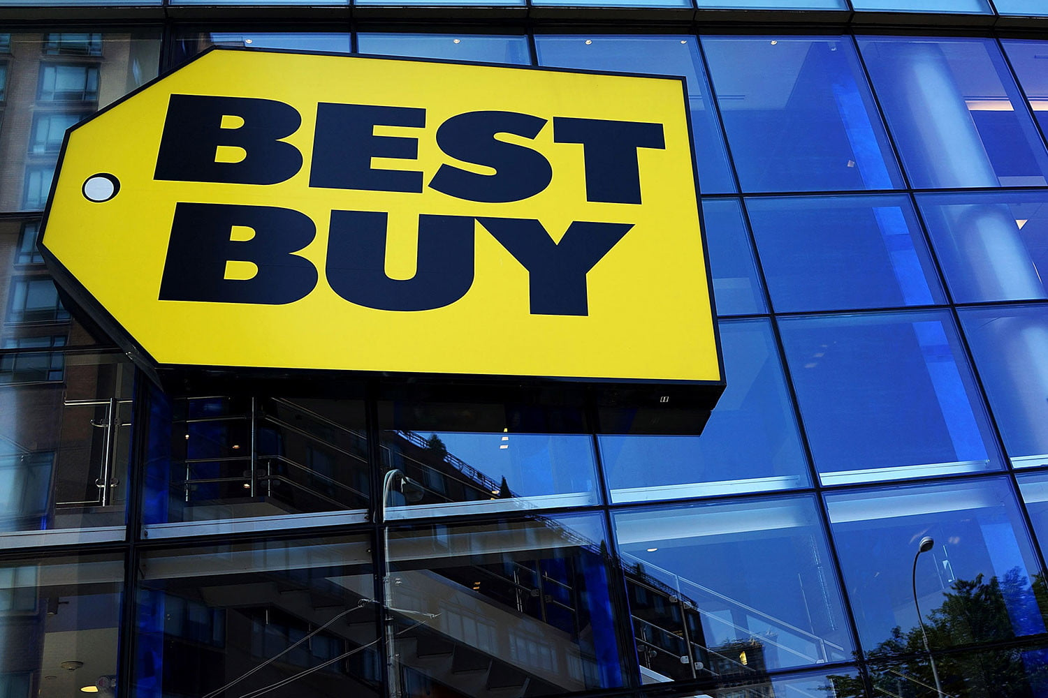 Best Buy offers up to 40% off refrigerators, washers, dryers and other large appliances