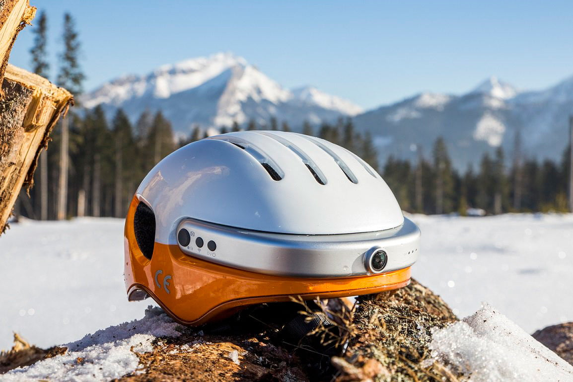 The Best Smart Helmets Currently Available (and a Few on the