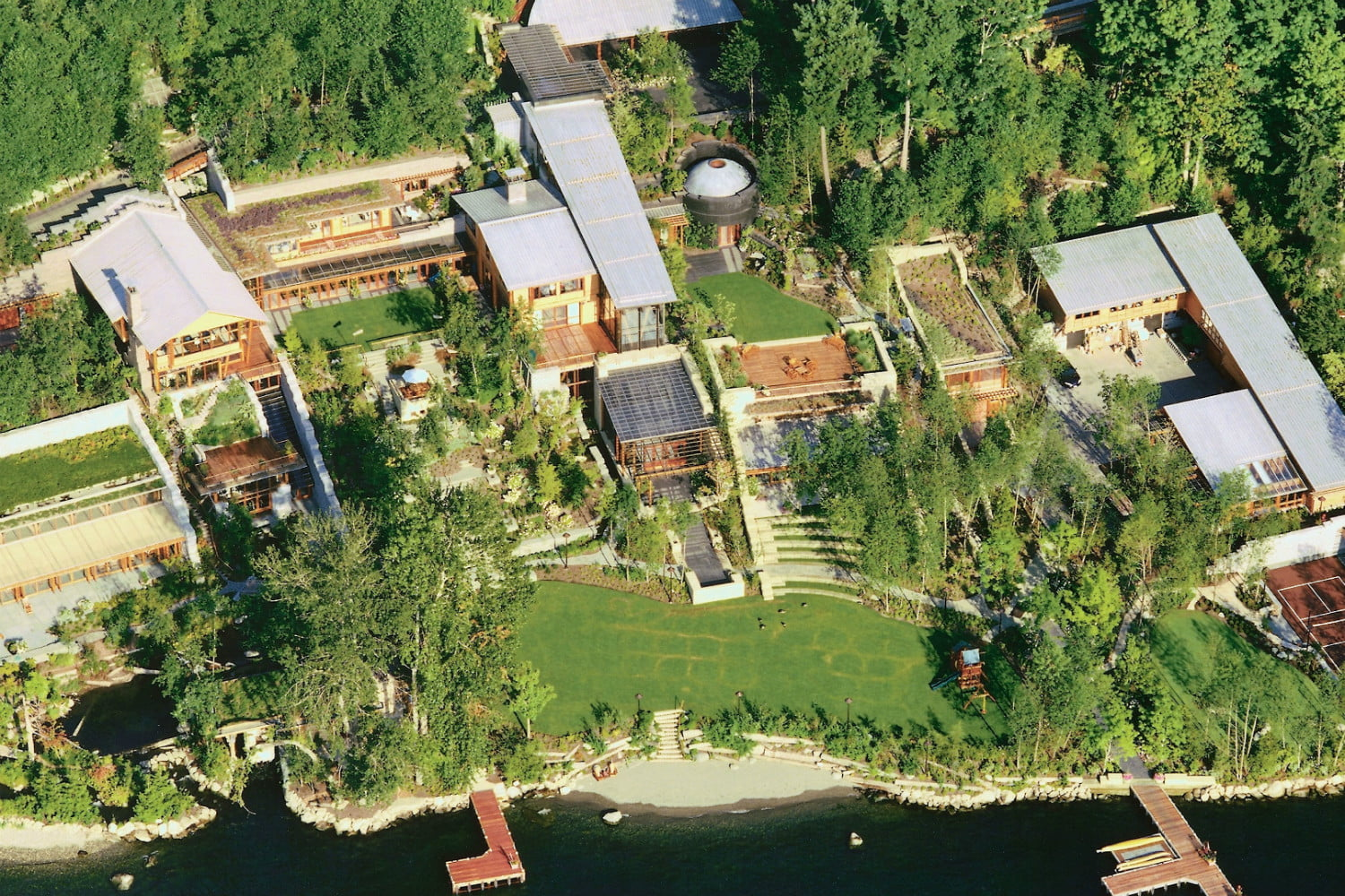 The Awesome Technology Inside Bill Gates 1990s Mansion Digital Trends