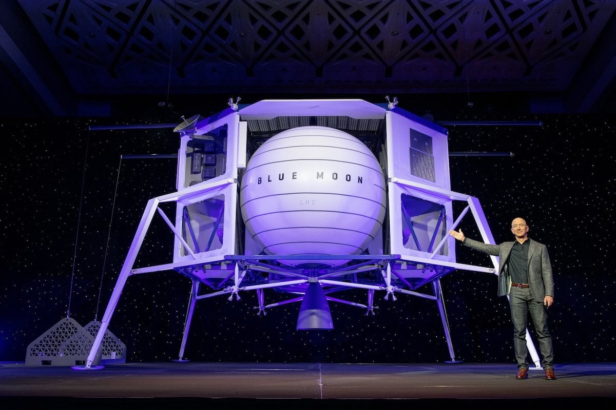 NASA invites SpaceX and Blue Origin to help with moon missions