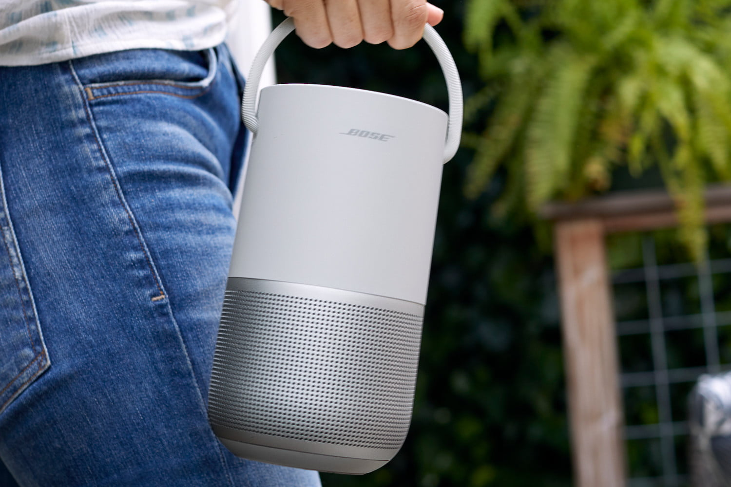 Bose's $349 portable smart speaker with Bluetooth aims to steal Sonos' thunder