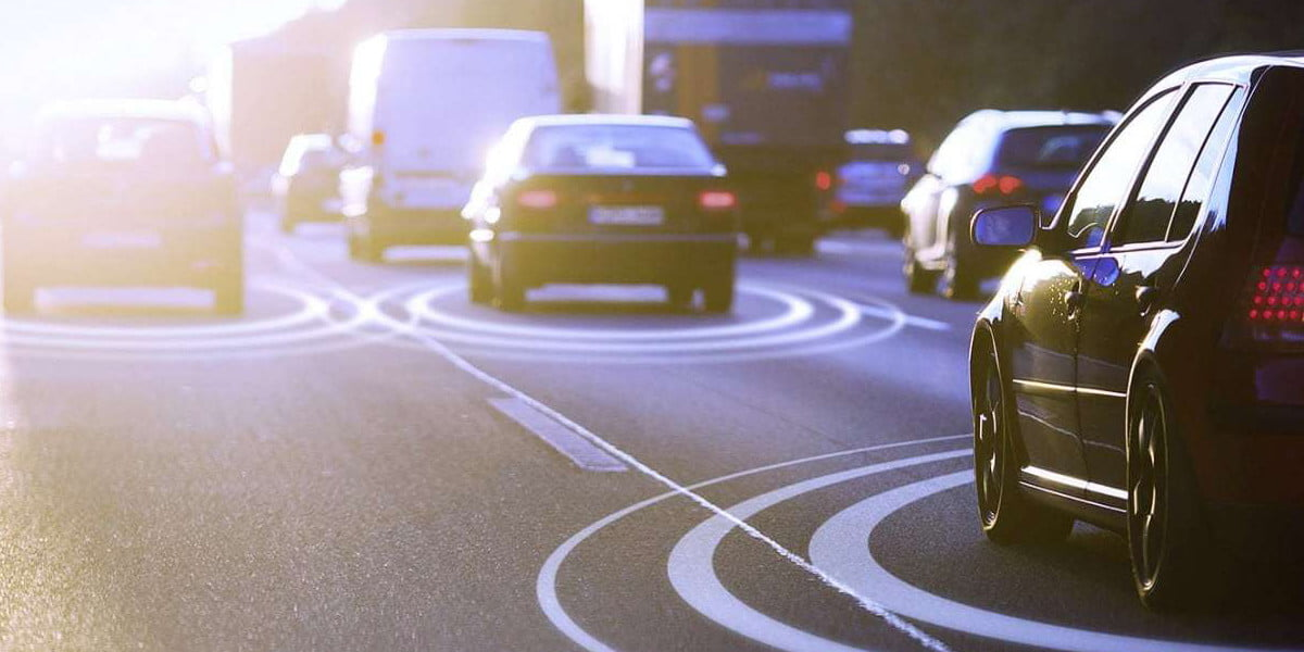 C-V2X system helps cars navigate intersections, even without a line of sight