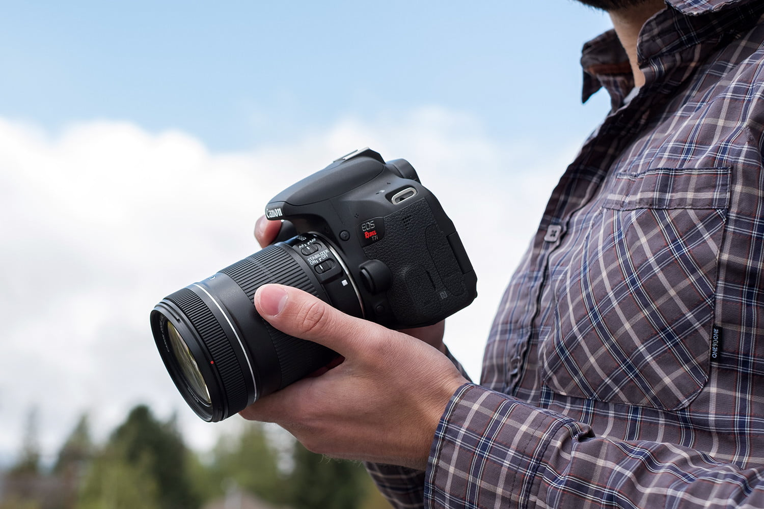Here's How Canon's Entry-Level T7 Stacks Up Against the T7i