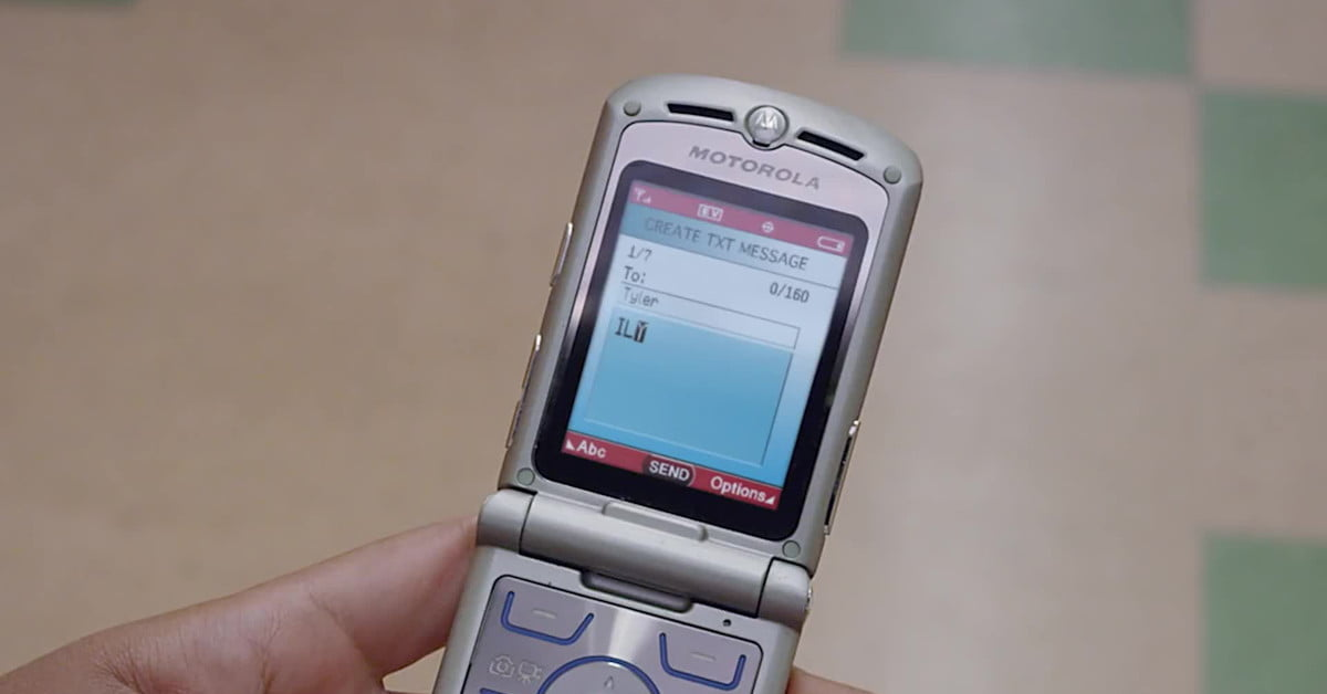 The Motorola Razr foldable phone may launch before the end of 2019