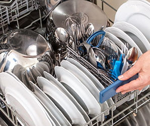 You should stop handwashing your dishes now. Here's why