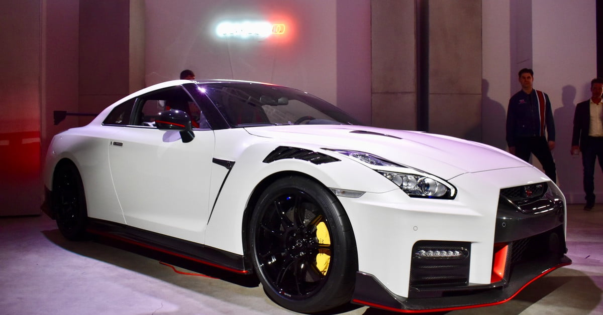 Nissan Gtr 2020 >> 2020 Nissan Gt R Nismo Unveiled At 2019 New York Auto Show