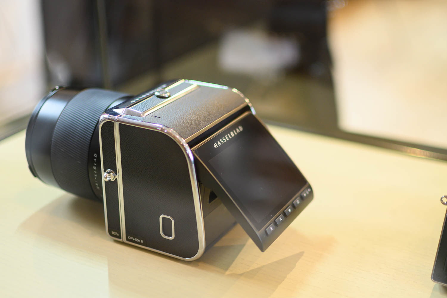 Hasselblad's CFV II and 907X are a Modern Take on a Classic