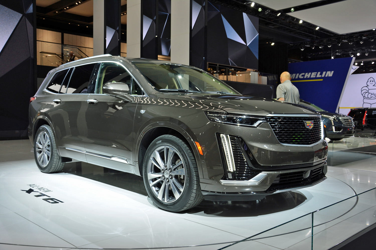 2020 Cadillac XT6: Design, Specs, Equipment, Price >> 2020 Cadillac Xt6 Revealed Ahead Of 2019 Detroit Auto Show Digital