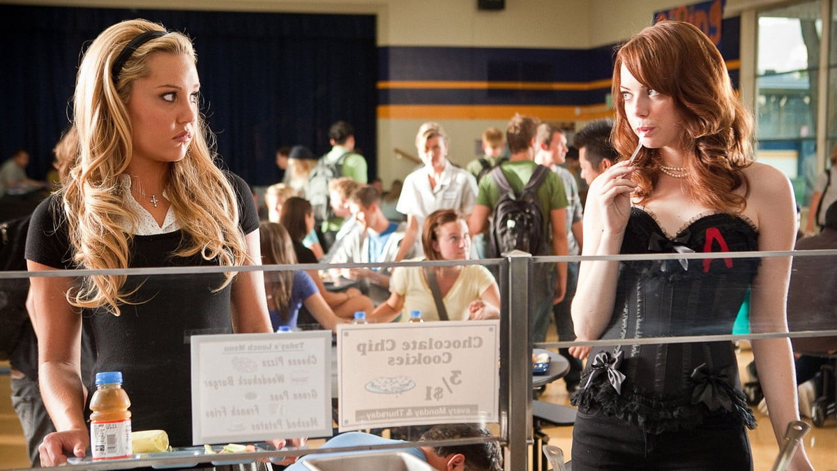 Amanda Bynes and Emma Stone in Easy A, on Netflix