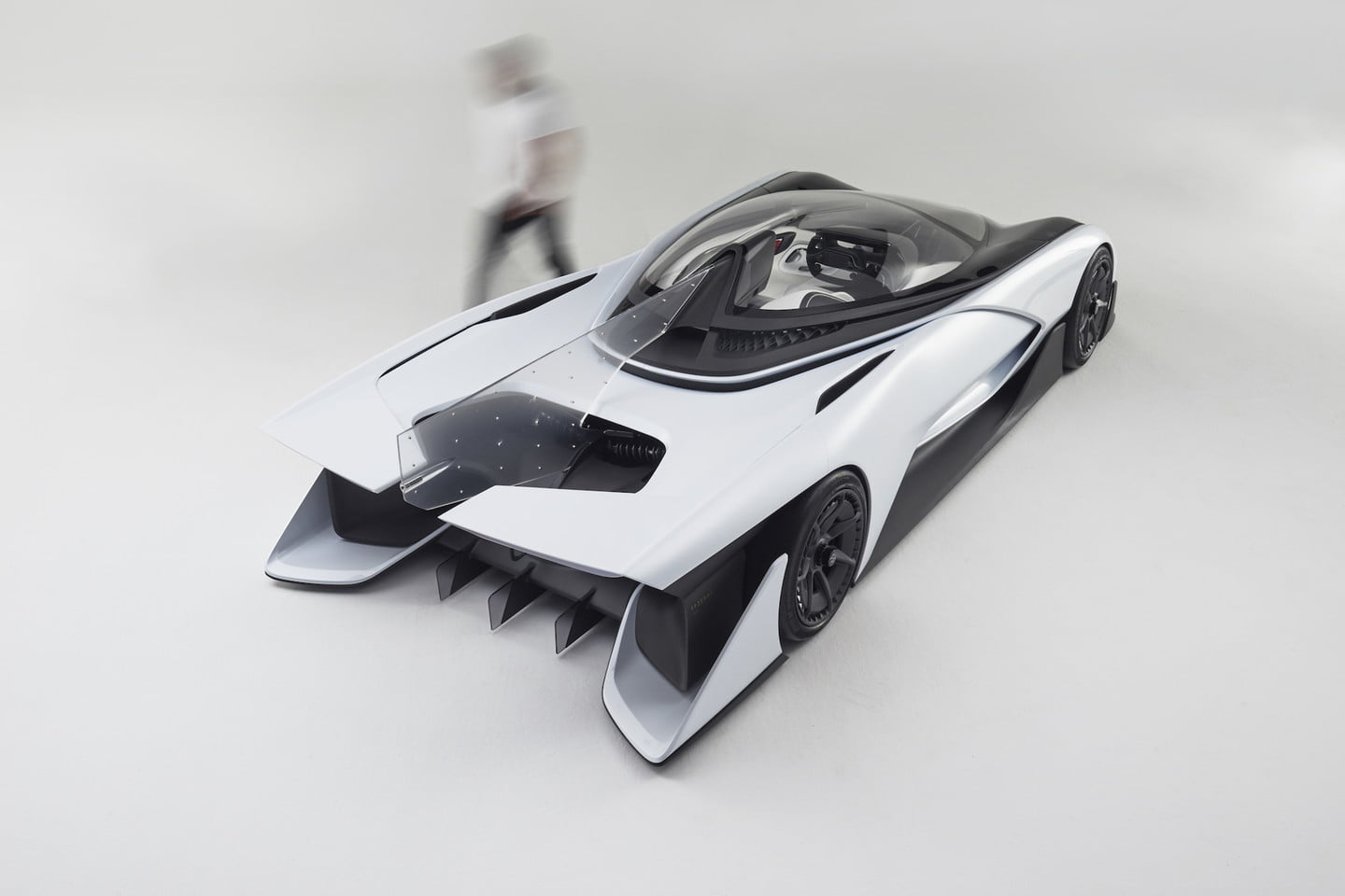 Will Faraday Future have a future if it can't stay current on its factory bills?