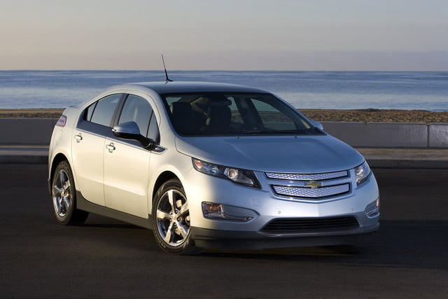 11 cars that will go extinct in 2016 first generation chevrolet volt  006